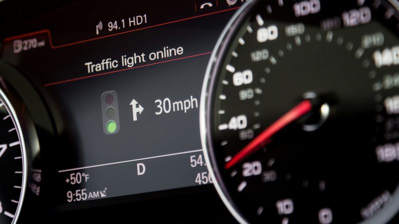 audi-traffic-light-assist