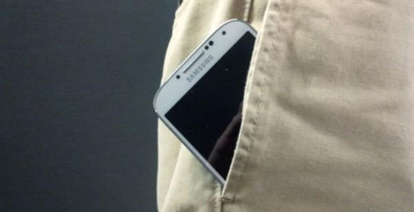 Pantalon connecté recharge Smartphone