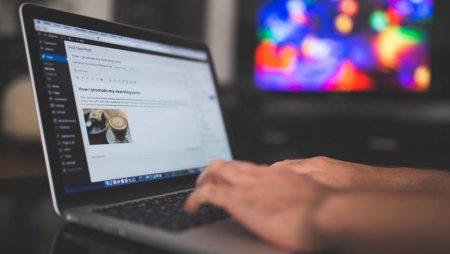 Comment choisir entre la création d'un site WordPress ou sur-mesure ?